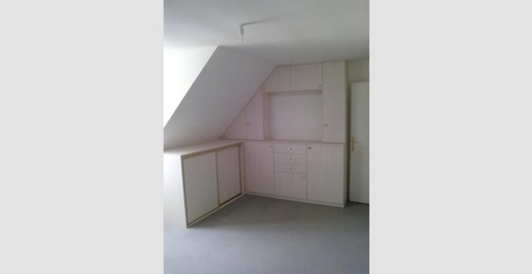 Placard d'angle, portes coulissantes + battantes