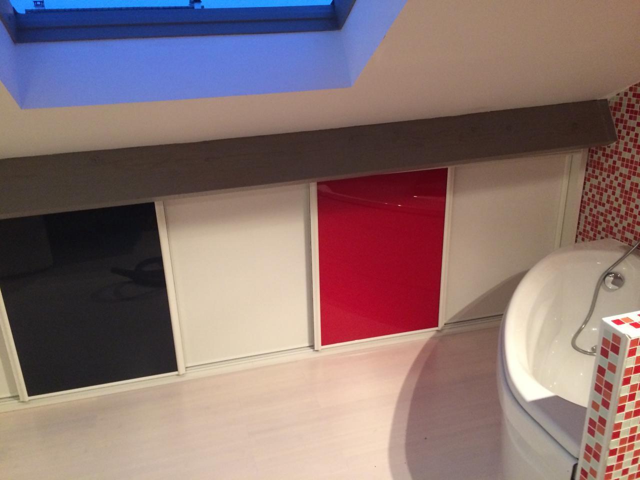 3 blanc, 1 rouge, 1 noire