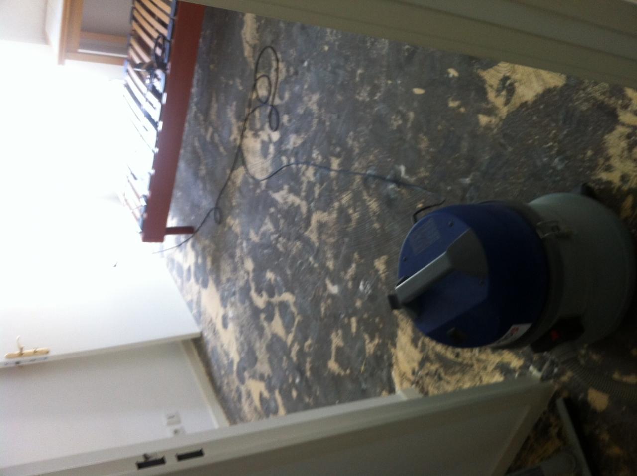 résultat de la dépose de la mousse des moquettes au Scrapper