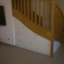 "sous escalier ""bar"" grands tiroirs à frein"